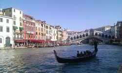 Walking in Venice Italy with musician - Canale Grande