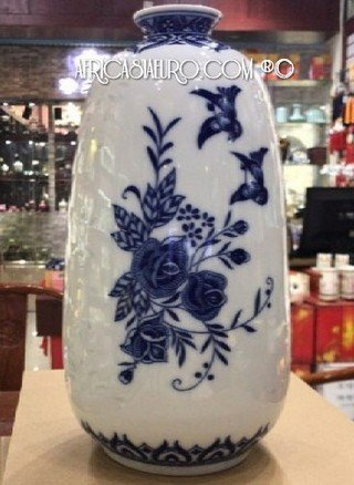blue on white porcelain vase MAO era